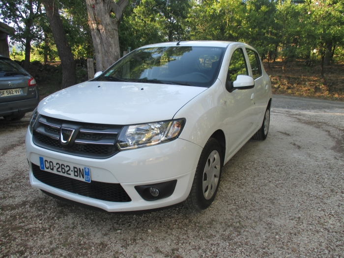 Photo dacia sandero tce 90cv laureate (clim) 480