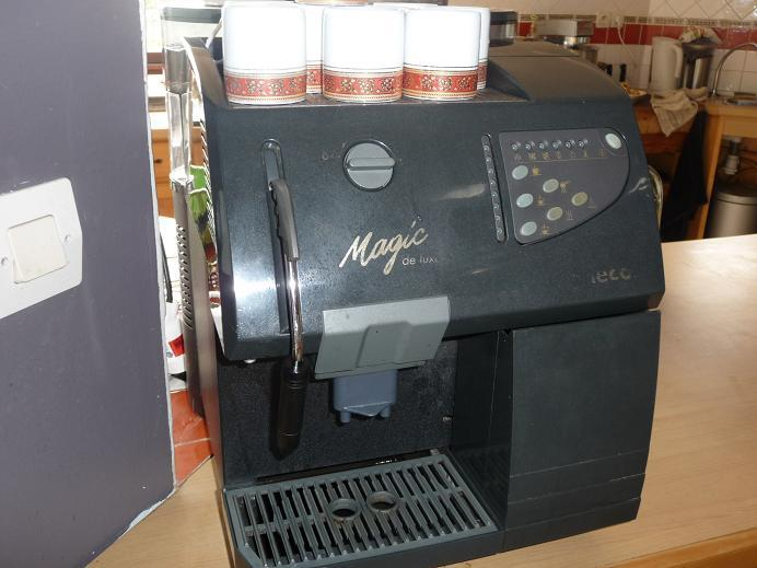 Machine caf en grain pas cher - Machine a cafe automatique avec broyeur ...