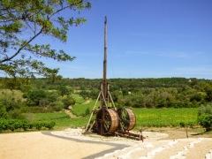 Le plus grand trébuchet du monde au château des