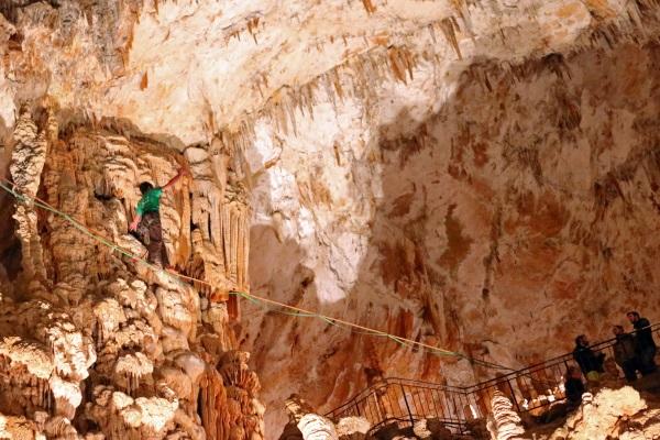 Slackline Grotte Aven Orgnac 2019